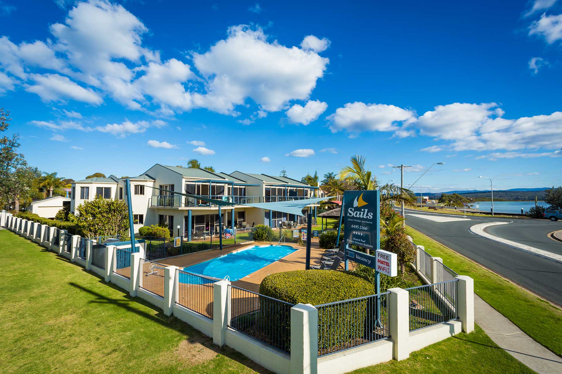 Sails Apartments - Luxury Self Contained Accommodation Merimbula